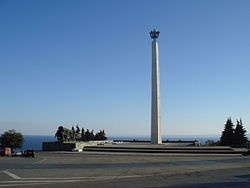 Мемориал воинам-ульяновцам на западном берегу Волги. Фото: Wikipedia.org