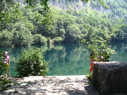 Голубое озеро в пригороде Нальчика. Фото: Wikipedia.org