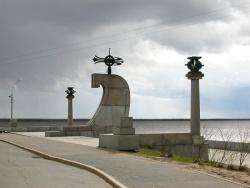Стелла на мысе Пур-Наволок место- основания города. Фото: Wikipedia.org